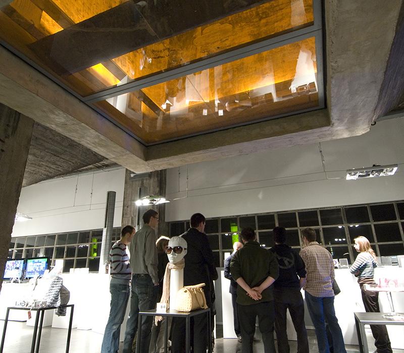 La salle du SILO en configuration présentation de produits.
